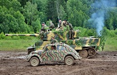 Pz.Kpfw. VI Tiger and KdF-Wagen Kommandeurwagen (The Adventurous Eye) Tags: army nikon czech d military tiger exhibition vi 7000 2011 kommandeurwagen kdfwagen pzkpfw bahna d7000 nikond7000