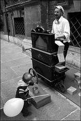 Torino 0098 (malko59) Tags: street urban blackandwhite torino explore turin biancoenero italians blackdiamond bwemotions bnvitadistrada malko59 neroamet marcopetrino