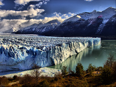 "Glacera Perito Moreno / Glaciar Perito Moreno / ""Perito Moreno"" Glacier (Jordi Bri) Tags: argentina canon landscape paisaje glacier glaciers glaciar perito moreno soe tone hdr s70 mapped paisatge calafate smrgsbord glaciares glacera tonemapped hdrsingleraw abigfave aplusphoto naturewatcher elitephotography goldstaraward roseawards flickrestrellas llovemypics jordibrio photofmflickr grouptripod favemegroup7x"