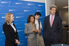 Senator Kerry, Kit Batten, Dan Weiss and Melody Barnes (Center for American Progress) Tags: washingtondc danweiss senatorjohnkerry centeramericanprogress politicalconference melodybarnes kitbatten