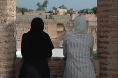 Maroc - Marrakech (laurentp_ap) Tags: travel muslim marabout morocco maroc marrakech souks koutoubia djemaaelfna elfna djemaa marocains conteurs charmeursdeserpents laurentphilippe agitationpassagere vendeursambulants restaurantenpleinair agitationpassagre