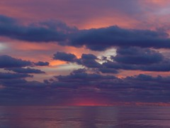 Rise in East Hampton (Paws2008) Tags: ocean pink original sea sky clouds sunrise purple sony give offer mavica yeild easthampton blurple blueribbonwinner 11937 placesyouvisit