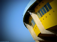 CARO SPORT (Photocoyote) Tags: sky italy yellow is italia powershot giallo cielo a510 romagna cesena carisport
