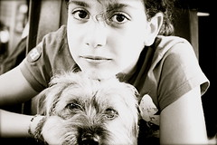 Parallèlement (cherry robber) Tags: dog chien girl cane eyes glare giorgia occhi same
