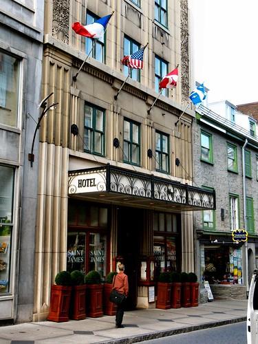 Hotel Manoir Victoria, St. James Pub