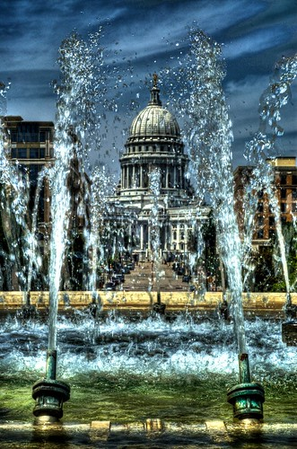 Capitol through the Fountain