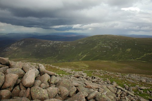 Gathering Cairn and Braid Cairn