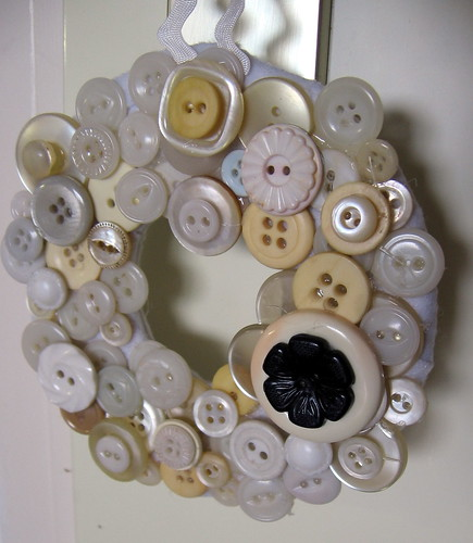 Button Wreath Complete