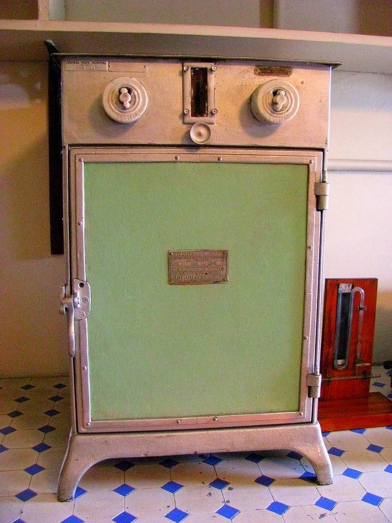 antique lab equipment