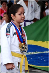 No mexe com ela! (*Tuvy*) Tags: jj child criana esporte medalhas desfilecvico tuvy esportista duetos faixapreta