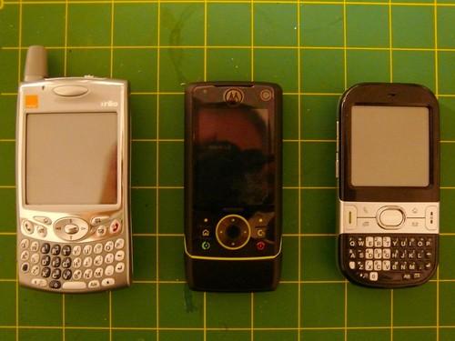 Treo 650 vs Motorola Z8 vs Centro
