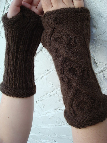 Cabled Gloves 2