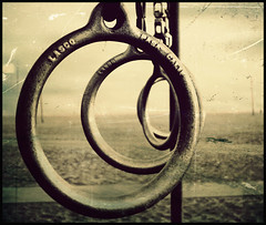 Dont' play with the rings (re-edit) (manlio_k) Tags: santa usa texture beach america losangeles nikon dof bokeh rings monica processing spiaggia manlio treatment castagna anelli texturized memoriesbook manliocastagna manliok