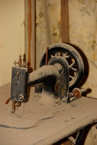 Bodie Sewing Machine