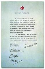 Anglų lietuvių žodynas. Žodis abdication reiškia n atsisakymas; išsižadėjimas; atsistatydinimas lietuviškai.