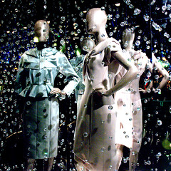 The Mannequins (Jusup Sukatendel) Tags: christmas city light lamp night nikon singapore asia d70s lightup singapura instalation jusup sukatendel