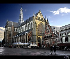 St. Bavokerk and Vleeshal... at Haarlem! (B'Rob) Tags: city blue cloud streetart holland tower art tourism netherlands architecture photography photo yahoo google arquitectura nikon flickr torre symbol picture ciudad tourist colores best ox explore cielo holanda toro d300 18200mm brob explored brobphoto