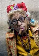 Peso Peso! (Dave_Davies) Tags: old woman havana cuba cigar smoking elderly smoker pfogold pfohiddengem gracielagonzales