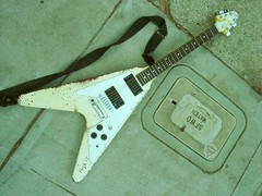 a piece of metal history (guitar-tech) Tags: real james flying san francisco guitars v metallica gary copy hetfield brawer httpwwwbrawerguitarrepairblogspotcom