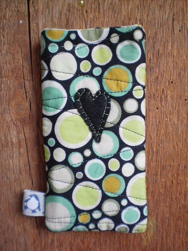 Ipod case by Textile-tally