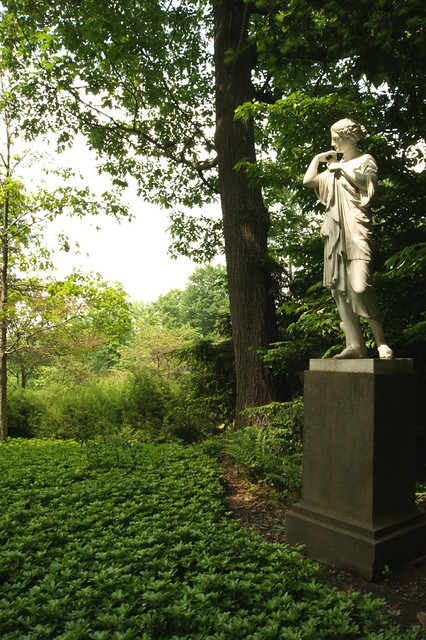 IMA gardens-statue