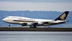 IMG_4821 Singapore 747 9V-SMW arriving KSFO RWY 28. (midendian) Tags: temp airplane airport singapore sfo aircraft arrival boeing747 747 ksfo sanfranciscointernational rwy28 9vsmw singapore747