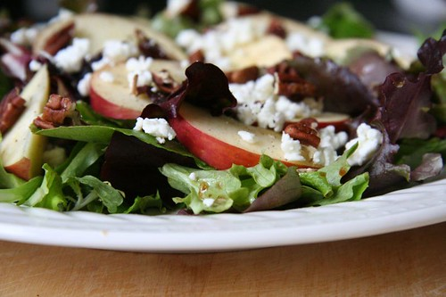 Mixed Greens Salad with Apples and Pecans, Balsamic Vinaigrette