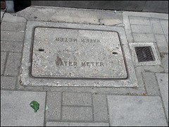 Water Meter (Dylan Curtis) Tags: london water iron cover meter hatch utilities barnet lid fittings tvw threevalleys outerlondon threevalleyswater