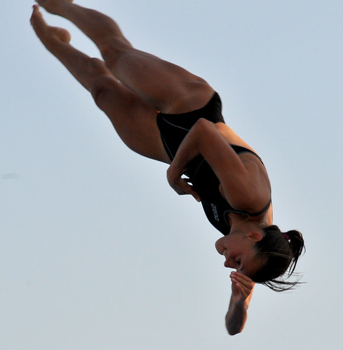Tania Cagnotto in mid air diving action