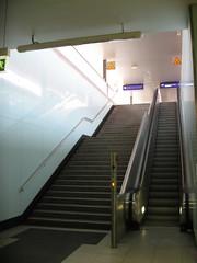 Bochum am 27.07.2008 (06).jpg (pilot_micha) Tags: germany deutschland escalator treppe railwaystation hauptbahnhof staircase bochum ruhrgebiet nordrheinwestfalen movingstaircase ruhrpott bahhof