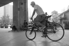 basaradan mgz interview/04 (nabiis) Tags: life street bw bike taiwan fixed fixie taipei trick 2008 interview basaradan nabiis fhai