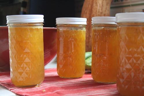 Yellow plum jam, finished!