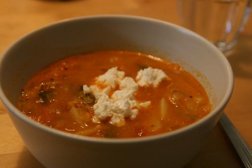 Tomat och linssopa med mangold