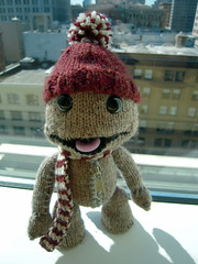 Sorta Sackboy (ilikelemons) Tags: sanfrancisco red white hat scarf knitting sony yarn zipper mediamolecule littlebigplanet sackboy