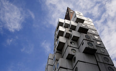 Nakagin Capsule Tower (jordiA+) Tags: japan tokyo kishokurokawa nakagincapsuletower supershot