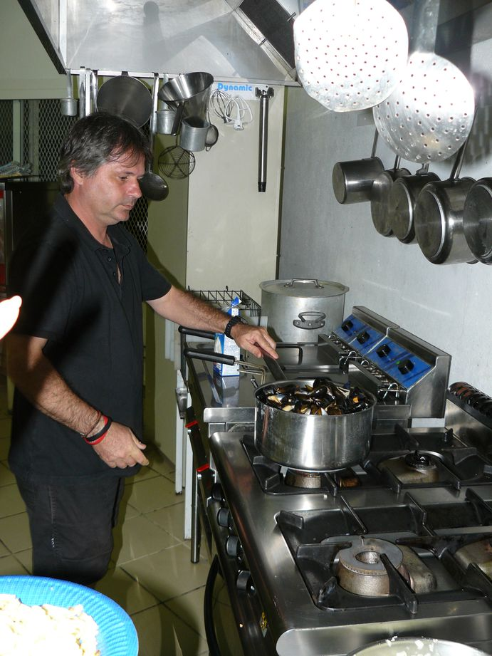 Soiree Moules Frites Amicale des Prof du college de Poindimie #4