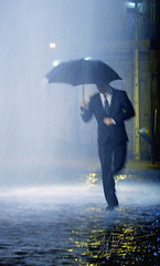 SINGING IN THE RAIN (Andria Solha) Tags: street man rain night umbrella dancing singingintherain andriasolha acsolha