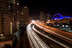 Gardiner out of downtown (Jim U) Tags: toronto night landscape highway downtown cityscape action gardiner minolta20mm28 sony900 alphadslra900