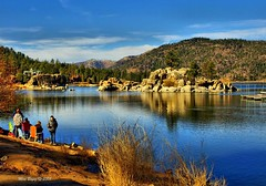 Big Bear Lake - Fishing (Mine Beyaz) Tags: california blue lake water fishing explore su reflexions mavi hdr gol bigbear blueribbonwinner mywinners abigfave colorphotoaward aplusphoto theperfectphotographer worldwidelandscapes thebestofday gnneniyisi natureselegantshots flickrlovers minebeyaz goldenheartaward