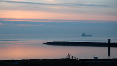 Cuxhaven (Gnter Hentschel) Tags: germany deutschland sand nikon wasser europa urlaub nordsee sonnenaufgang watt elbe cuxhaven leuchturm d40 kugelbake nikond40