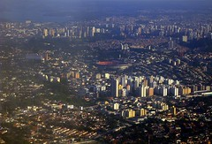 From the airplane window. So Paulo, Brazil (II) (:: through my eyes ::) Tags: city cidade brazil building brasil plane canon buildings airplane sopaulo brasilien aerial sampa sp prdio avio area prdios morumbi windowseat brsil estdiocceropompeudetoledo sd950 ixus960is ixus960 sd950is 2000is sampaclick