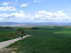 "Pamplona in the Distance • <a style=""font-size:0.8em;"" href=""http://www.flickr.com/photos/48277923@N00/2621458020/"" target=""_blank"">View on Flickr</a>"