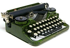 Underwood Standard Portable, 3-bank