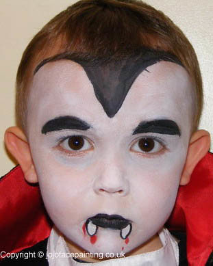 Halloween Face Painting: Vampire