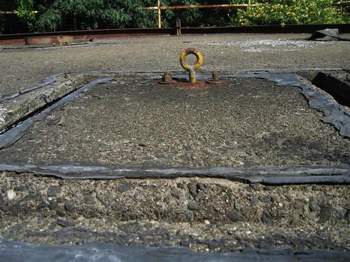 Eye bolt on the firing platform