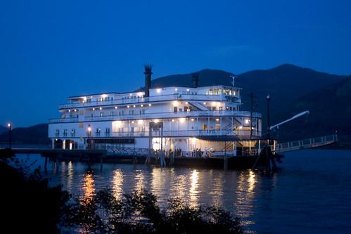 vacation tourism oregon portland evening washington vessel columbia queen stevenson riverboat gorge flights luxury