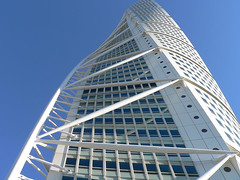 Calatravas Turning Torso, Ciudad Malm, Sweden (Olof S) Tags: city blue windows wallpaper sky urban white house building window glass skyline architecture facade skyscraper fz20 photography town photo skne interesting construction arquitectura cityscape view artistic sweden fenster schweden edificio picture himmel haus ciudad swedish panasonic ciel calatrava stadt nordic sverige blau popular malm twisted btiment gebude hus stad suede suecia scania hochhaus twisting svezia turningtorso skane szwecja fasad byggnad  abigfave