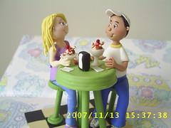 Casal de namorados na sorveteria. (Carol Biscuit Artesanato) Tags: biscuit casal aniversrio nascimento recado lembrancinhas