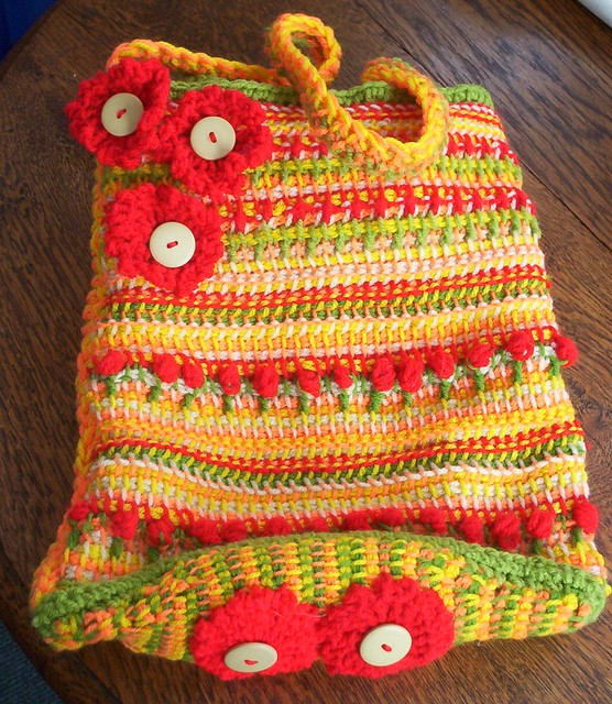 TUNISIAN BAG WITH CROCHET FLOWERS