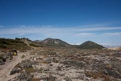 赤岳山頂奥に北鎮岳と凌雲岳